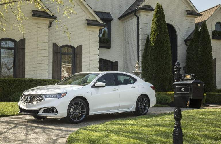 Front quarter view of the 2018 Acura TLX in white near Pittsburgh, PA