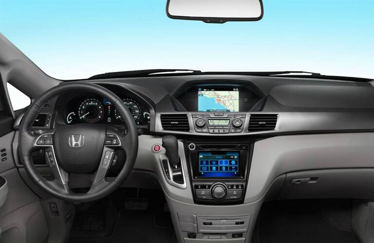 Steering wheel and dashboard of 2017 Honda Odyssey