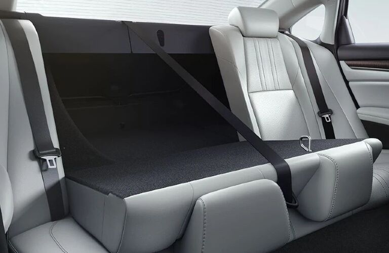 2020 Honda Accord Hybrid 60/40-split rear seats