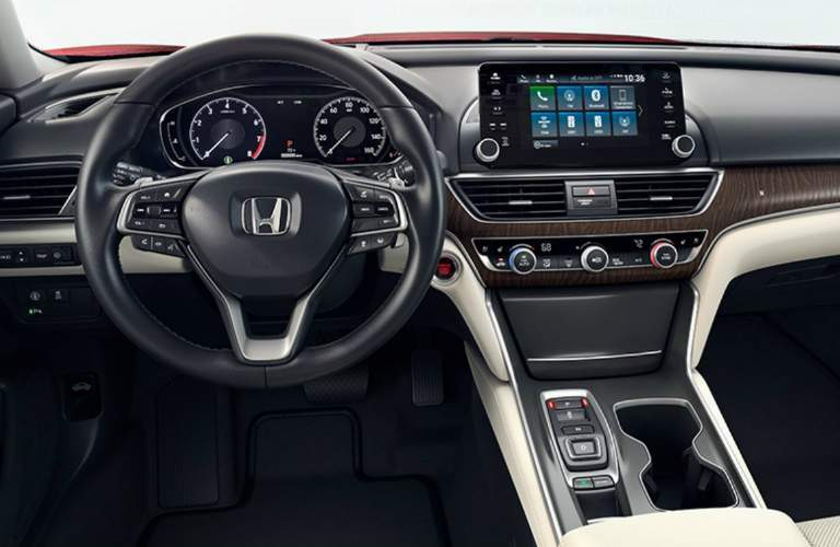 Steering wheel and infotainment system in 2018 Honda Accord