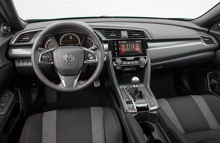 Cockpit view in the 2018 Honda Civic Si