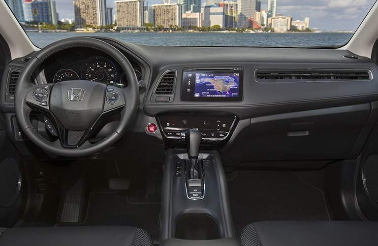 Steering wheel and infotainment system in 2018 Honda HR-V