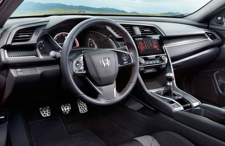 Cockpit view in the 2019 Honda Civic Coupe
