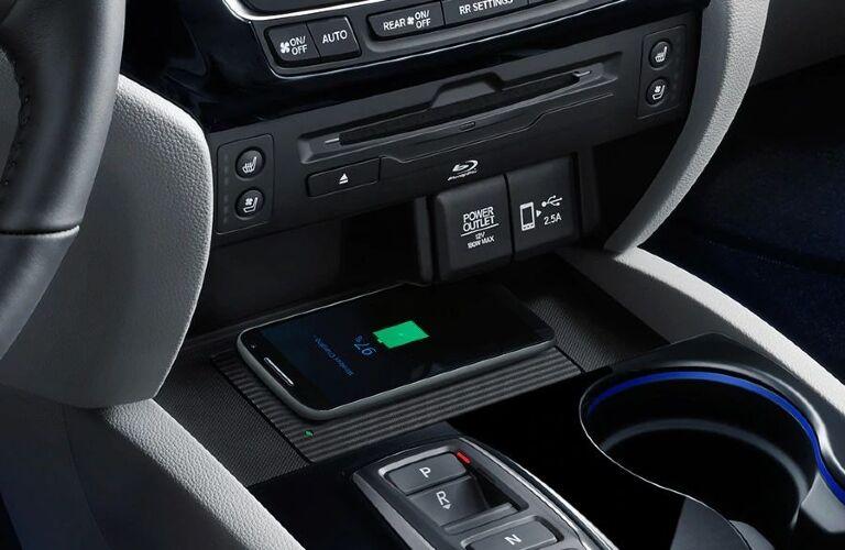 2020 Pilot wireless charging pad