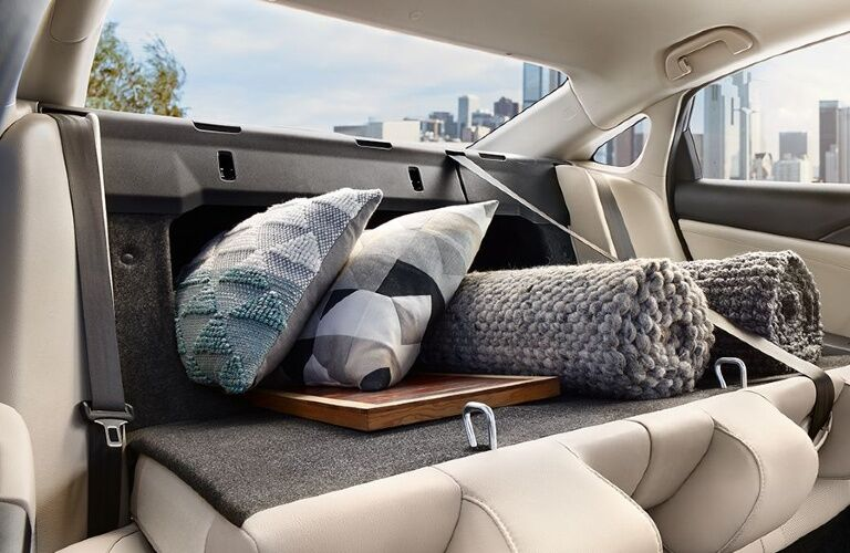 2021 Insight folding rear seats showcase