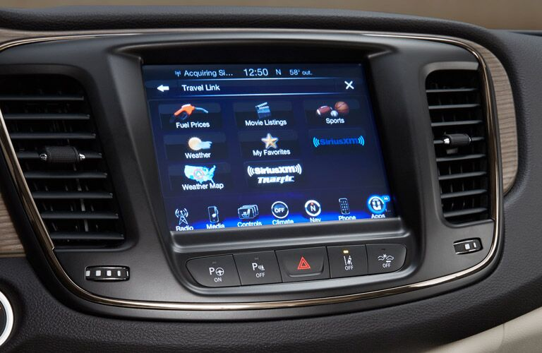 2016 Chrysler Uconnect 8.4-inch touchscreen infotainment system