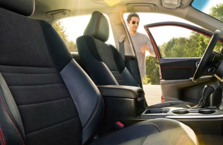 Sport front seats of the 2017 Toyota Camry Hybrid