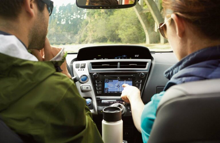 People using the 2017 Prius v infotainment system