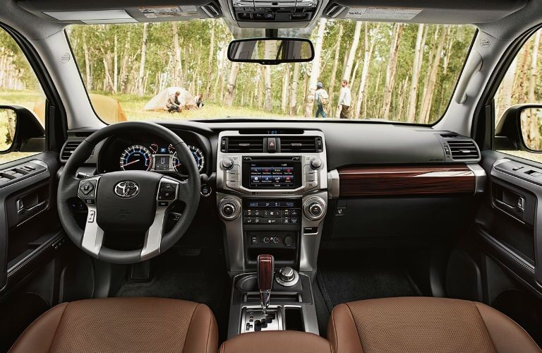 Cockpit view in the 2018 Toyota 4Runner