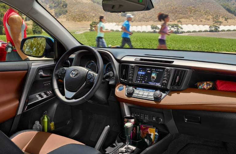Interior front seats of 2018 Toyota RAV4