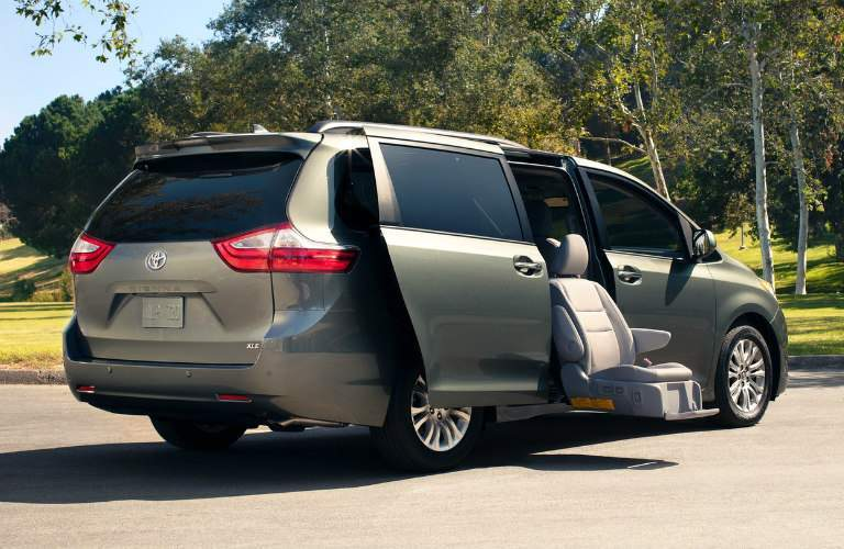Auto Access Seat in the 2018 Toyota Sienna