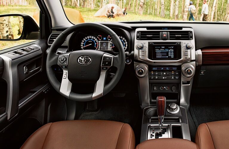 Cockpit view in the 2019 Toyota 4Runner