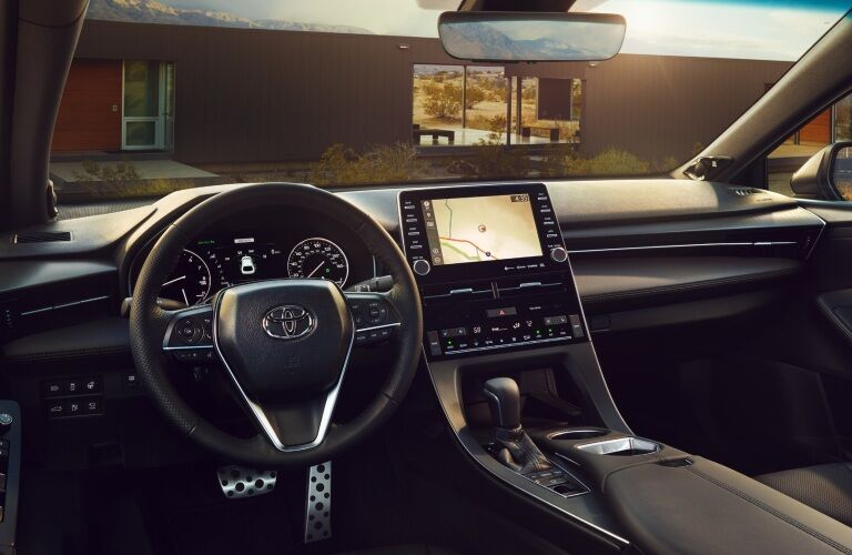 Cockpit view in the 2019 Toyota Avalon Hybrid
