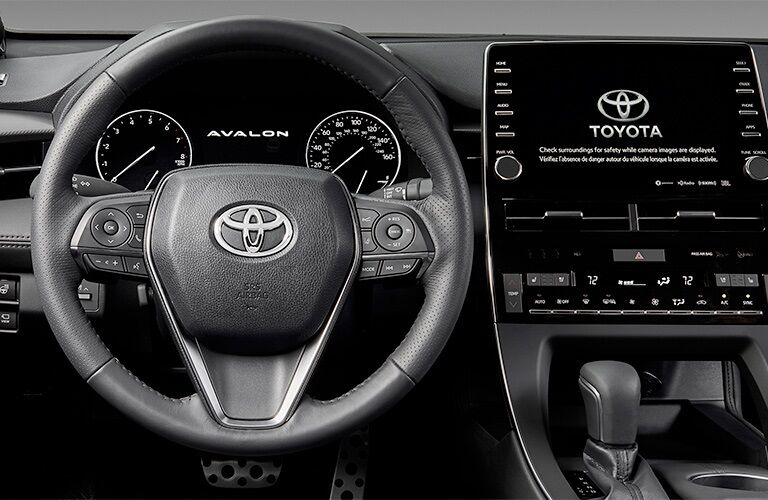Steering wheel and infotainment system in the 2019 Toyota Avalon