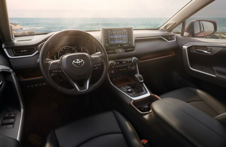 Cockpit view in the 2019 Toyota RAV4