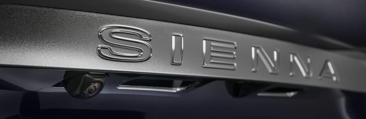"The word ""sienna"" printed on the 2018 Toyota Sienna"