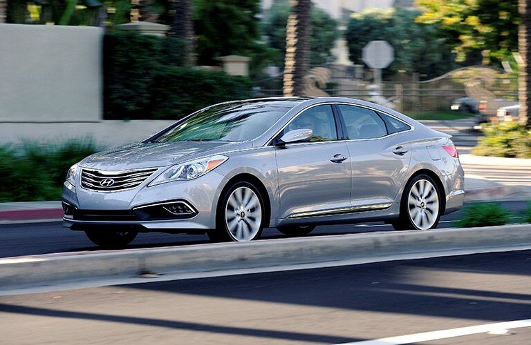 2017 Hyundai Azera driving on road