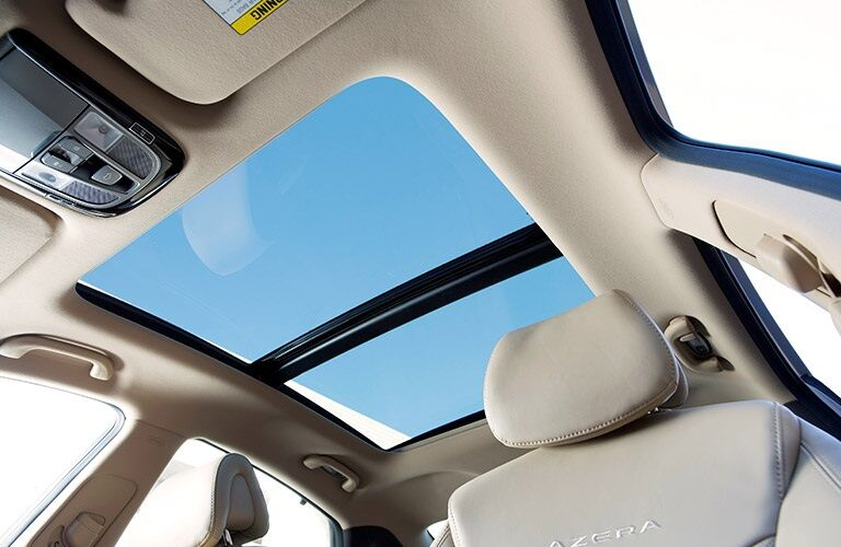 panoramic sunroof in 2017 Hyundai Azera