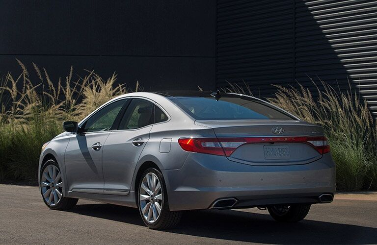 back of the 2017 Hyundai Azera
