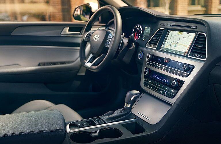 Steering wheel and dashboard of the 2017 Hyundai Sonata