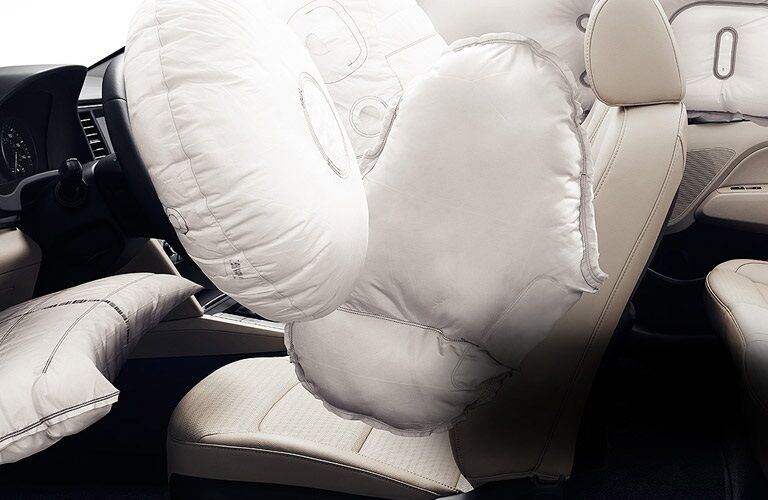Airbags in 2017 Hyundai Elantra