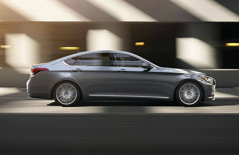 side view of the 2017 Genesis G80