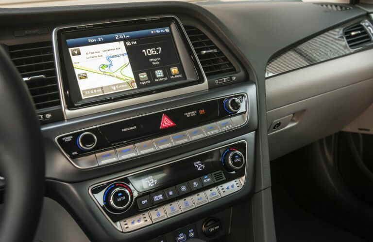 Infotainment system in the 2018 Hyundai Sonata Hybrid
