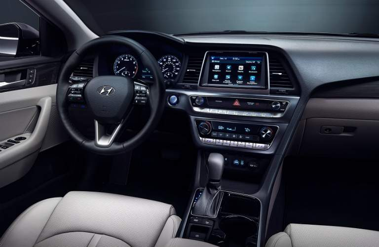Steering wheel and dashboard of the 2018 Hyundai Sonata