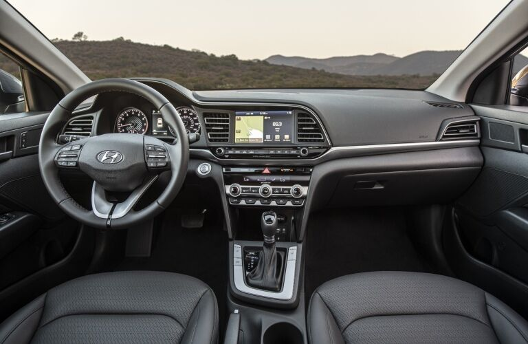 Cockpit view in the 2019 Hyundai Elantra