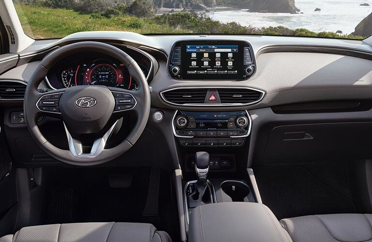 Cockpit view in the 2019 Hyundai Santa Fe