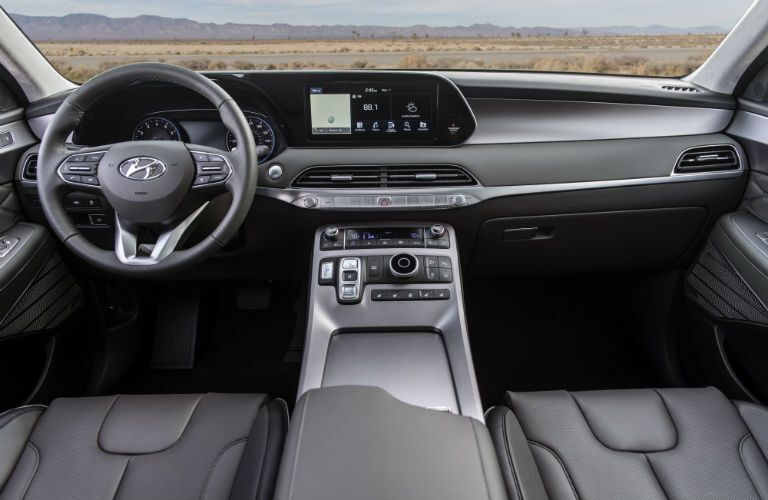 Front steering wheel and center touchscreen of 2020 Hyundai Palisade