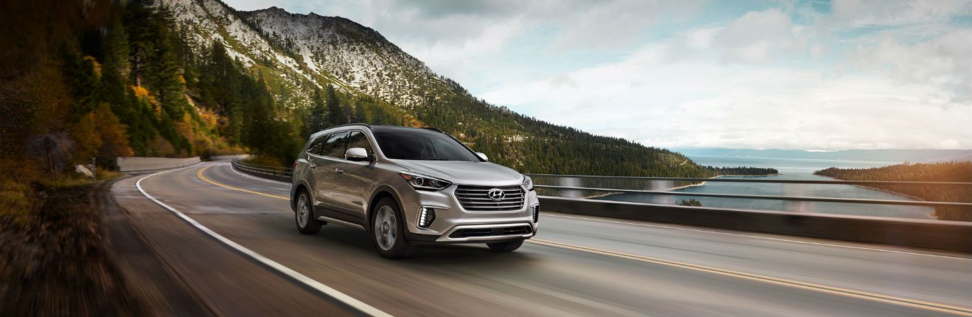 A right quarter photo of the 2019 Hyundai Santa Fe XL.