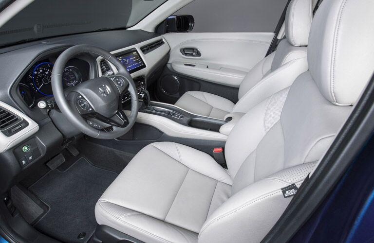 front seats of the 2017 Honda HR-V