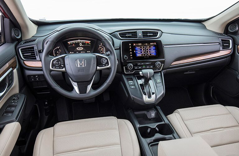Dashboard, steering wheel and infotainment of the 2017 Honda CR-V LX