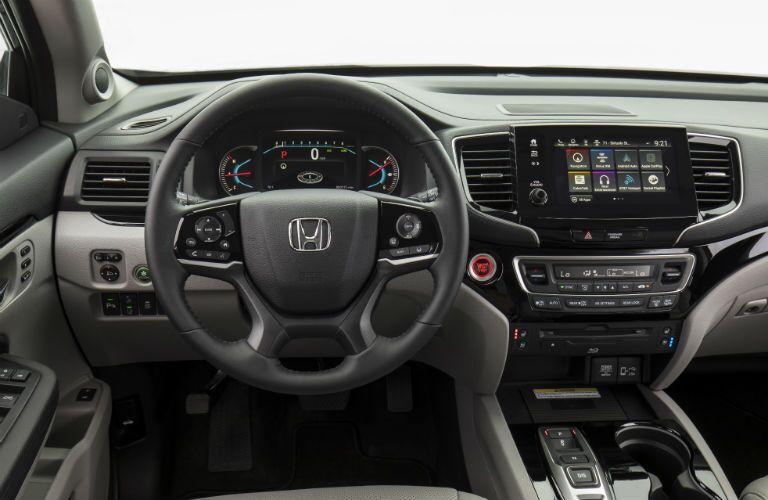 Steering wheel and dashboard in 2021 Honda Pilot