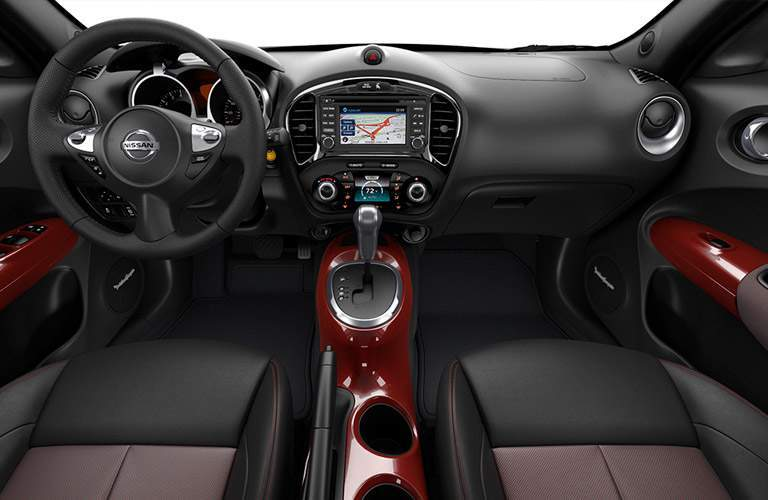 2017 Nissan Juke interior steering wheel and dashboard
