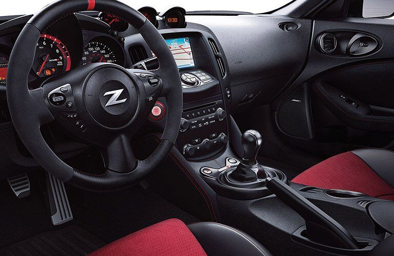2017 Nissan 370Z interior steering wheel and dashboard