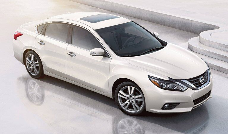 white 2017 Nissan Altima exterior front top