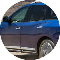 blue 2017 Nissan Pathfinder side windows