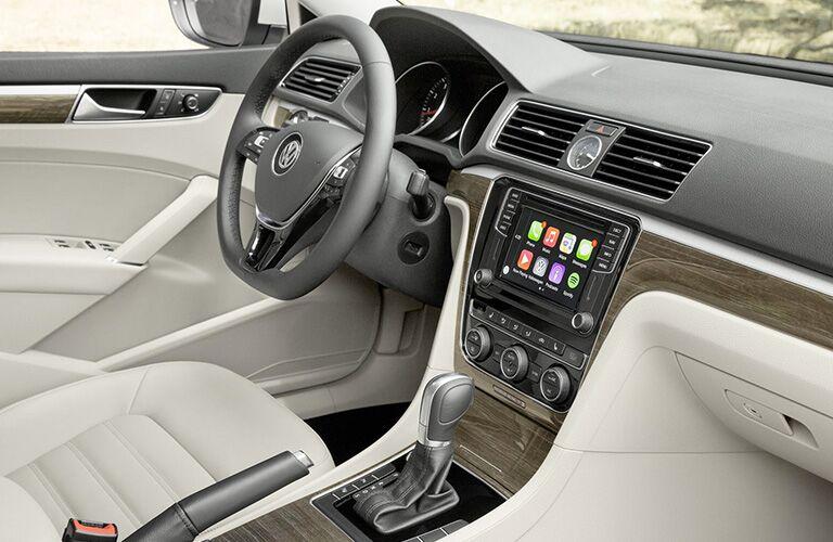 2018 Volkswagen Passat front end interior