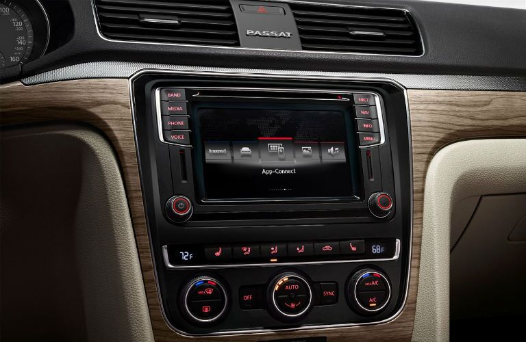2018 Volkswagen Passat MIB II infotainment