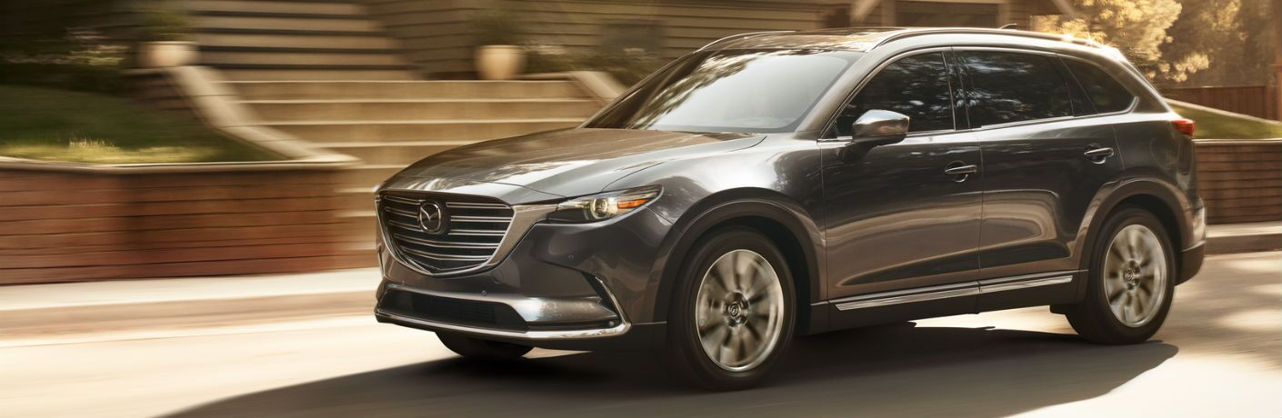 A left profile photo of the 2019 Mazda CX-9.