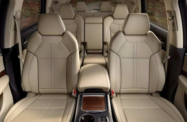 2017 Acura MDX cargo space and seating capacity