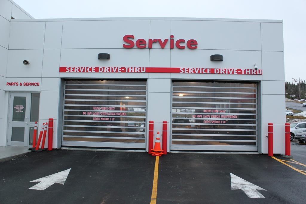 SERVICE DRIVE-THRU