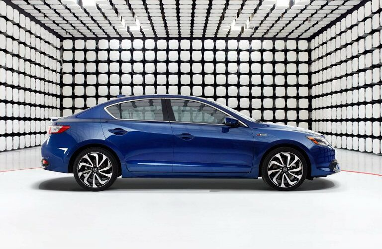 Side profile of the 2018 Acura ILX A-Spec