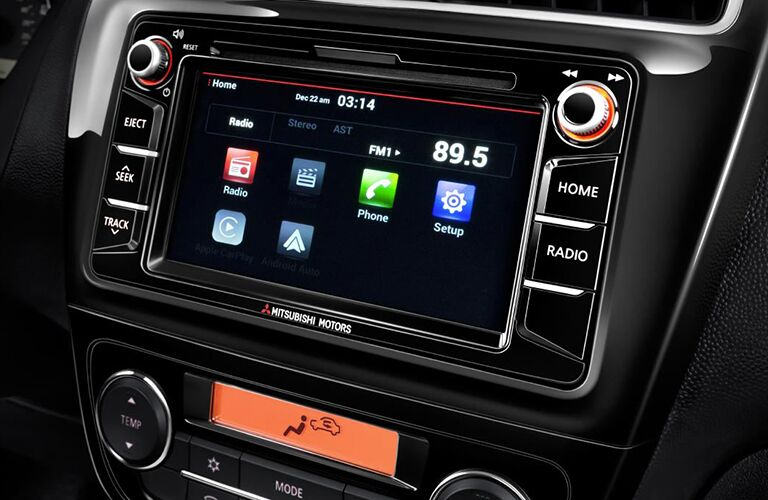A close up photo of the infotainment system used in the 2018 Mitsubishi Mirage.