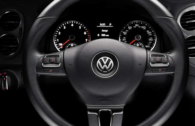 Steering wheel of 2017 Volkswagen Tiguan Limited
