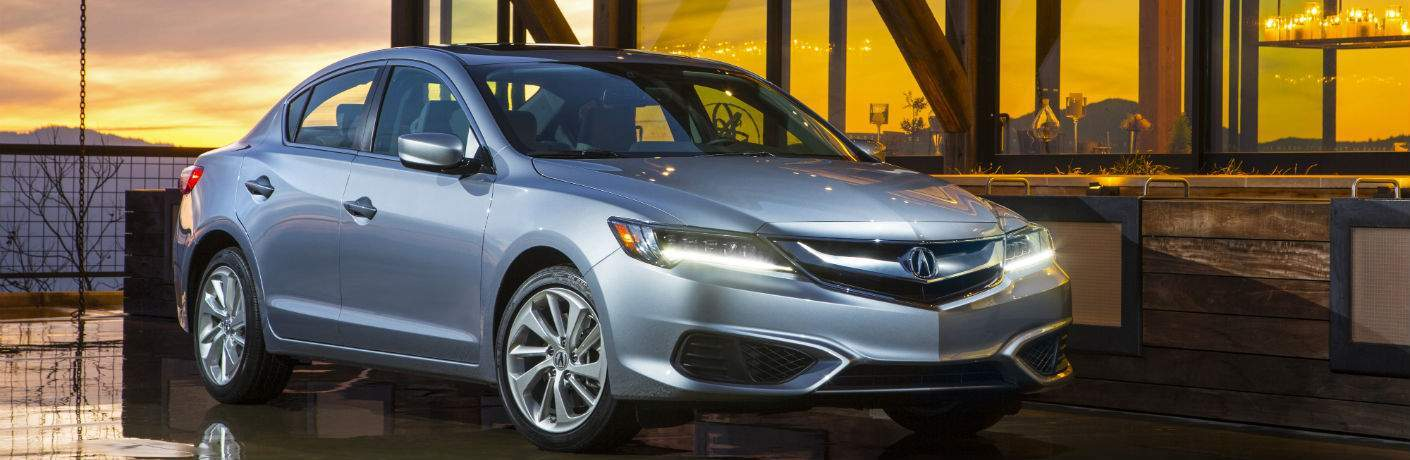 A front right quarter photo of the 2018 Acura ILX