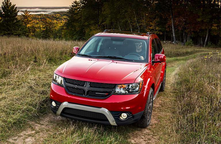 2018 dodge journey in redline 2 coat pearl front view