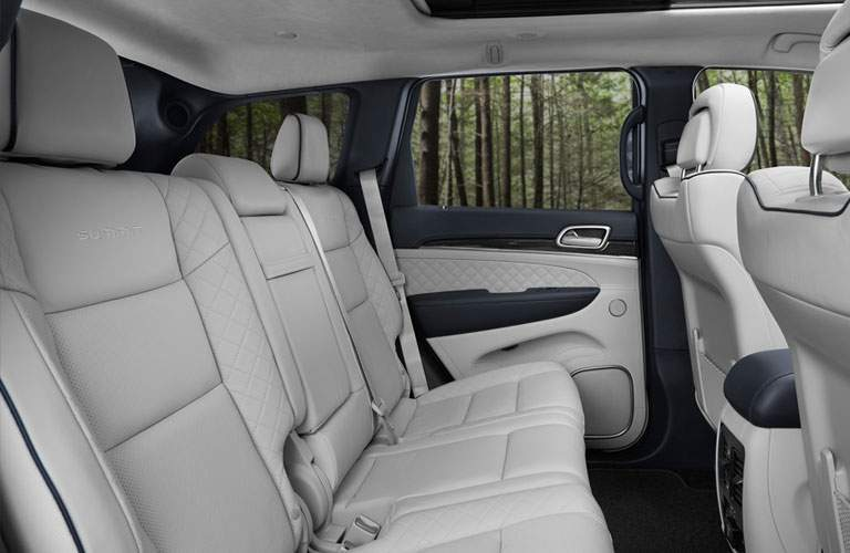 Gray seats onside the Jeep Grand Cherokee